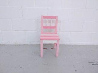 Silla de madera rosa y blanca infantil mueni003
