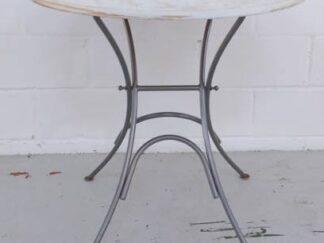 Mesa estructura metal y sobre de madera decapado blanco muext007