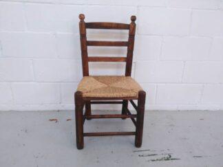Silla de madera con asiento de enea asisi014