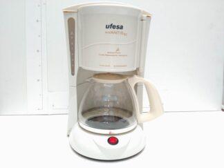 Cafetera blanca cocel005
