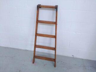 Escalera de madera Mueot005
