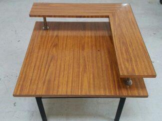 Mesa auxiliar formica con balda