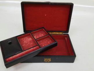 Caja joyero negro terciopelo rojo
