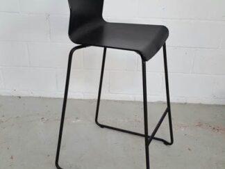 Taburete diseño negro